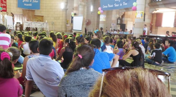 PENTECOSTÉS DE ADOLESCENTES           EN LA DIÓCESIS DE HOLGUÍN