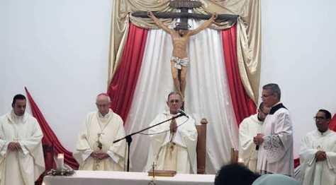 con sacerdotes